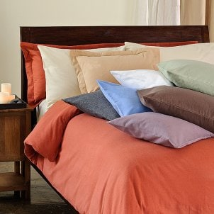Flannelette sheets come in a variety of colors