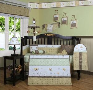 Gender-neutral bumble bee crib bedding set