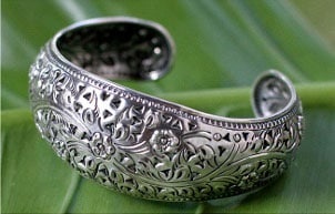 Handmade silver bracelet from Thailand