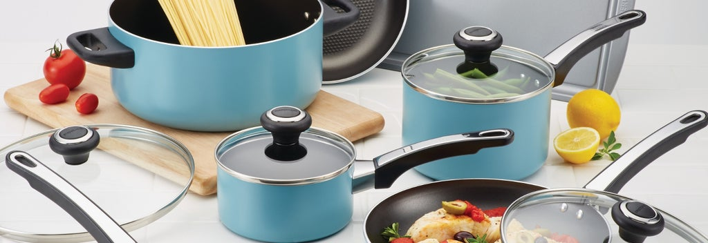 Blue pot and pan set