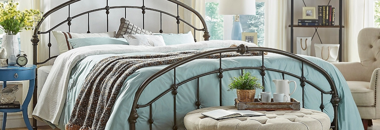 Vintage Style Bedroom. Furniture Guide