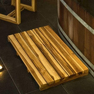 Teak wood bath mats help the environment