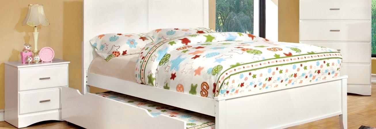 A Kids White Bedroom Furniture Set