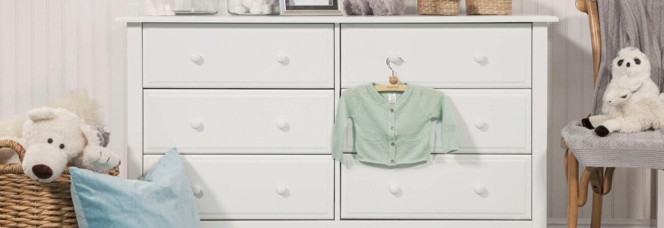 A kids 6 drawer white dresser