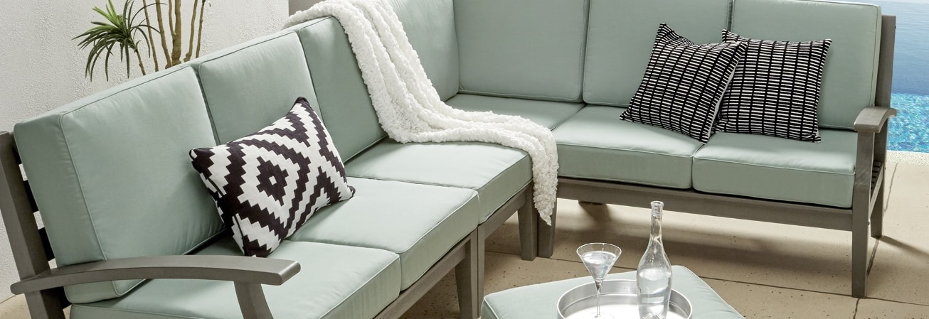 Outdoor Sofas, Chairs and Sectionals Guide