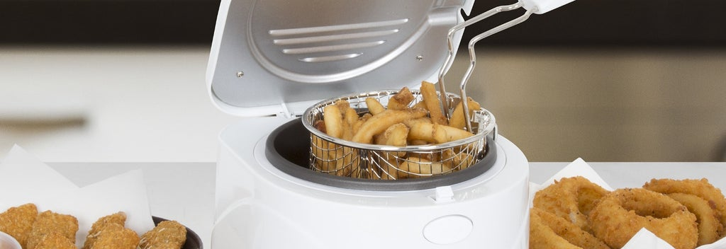 White deep fryer with basket