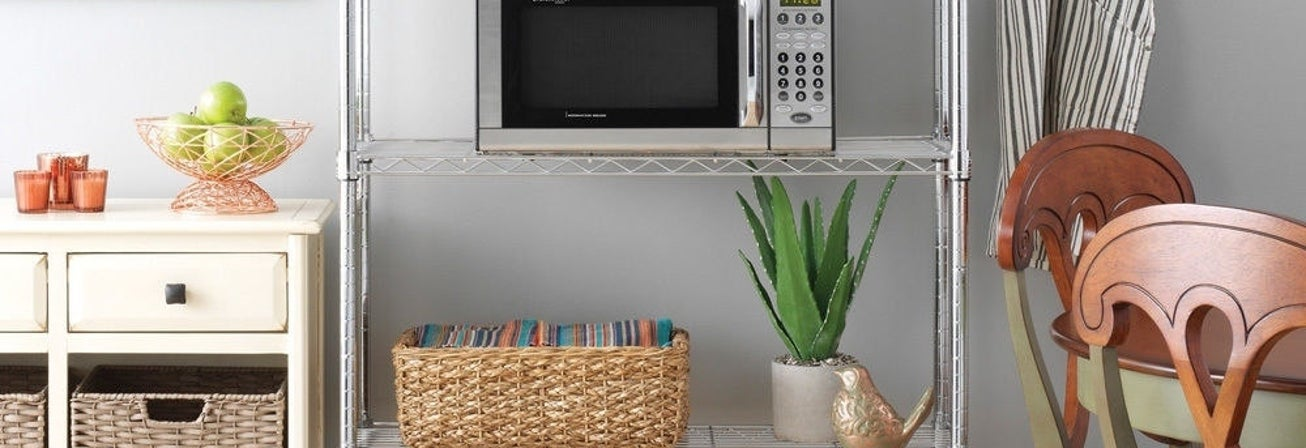 Kitchen Shelves and How to Organize Them