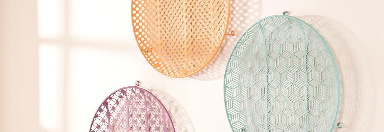 Multi color wall decorative plates