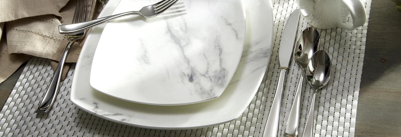 White marble square plate set