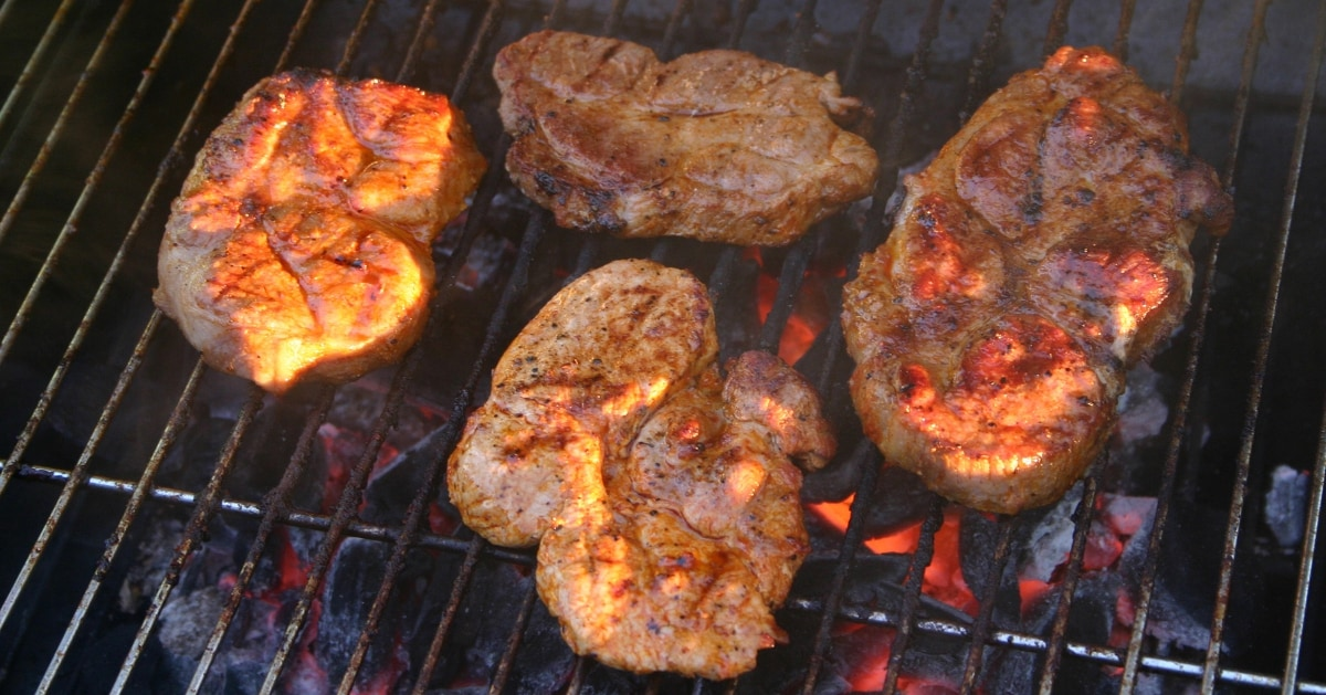 how to cook steak on weber charcoal grill