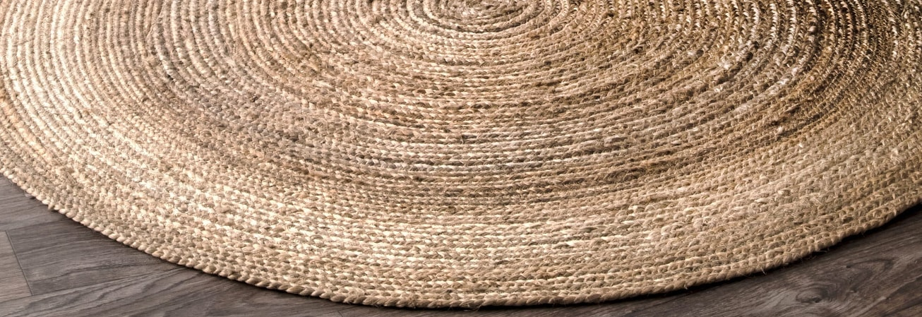 Round woven casual area rug