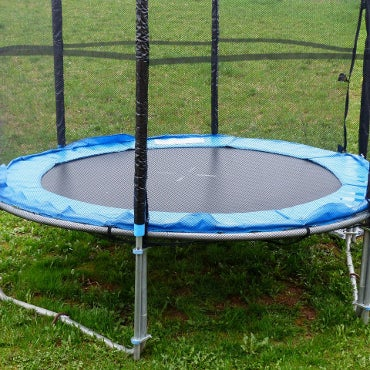 Outdoor trampoline with safety netting