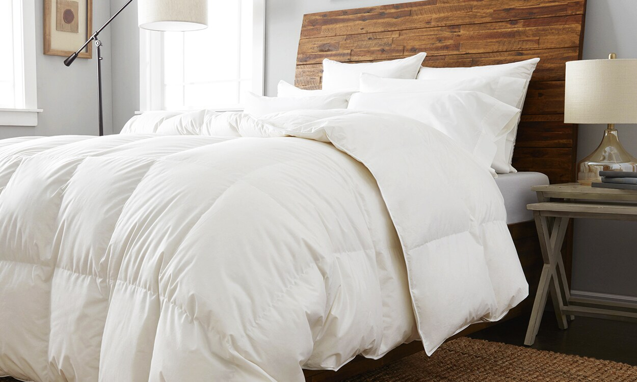 how to wash a down comforter the right way. Black Bedroom Furniture Sets. Home Design Ideas