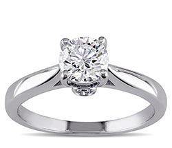 White gold round solitaire diamond ring