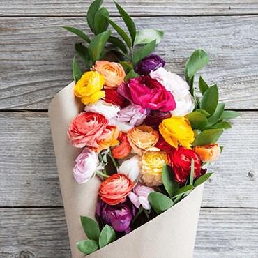 A boquet of fresh flowers
