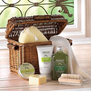 A 6 piece spa gift basket set