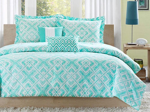 Back to Campus! Get Great Deals on Great Bedding