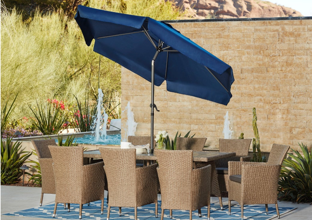 outdoor dining set with patio umbrella