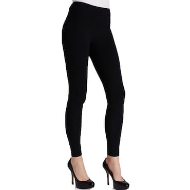 Choosing the Right Shoes to Wear with Leggings