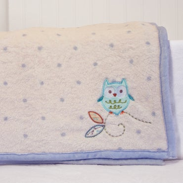 Throw Blanket with Cute Owl