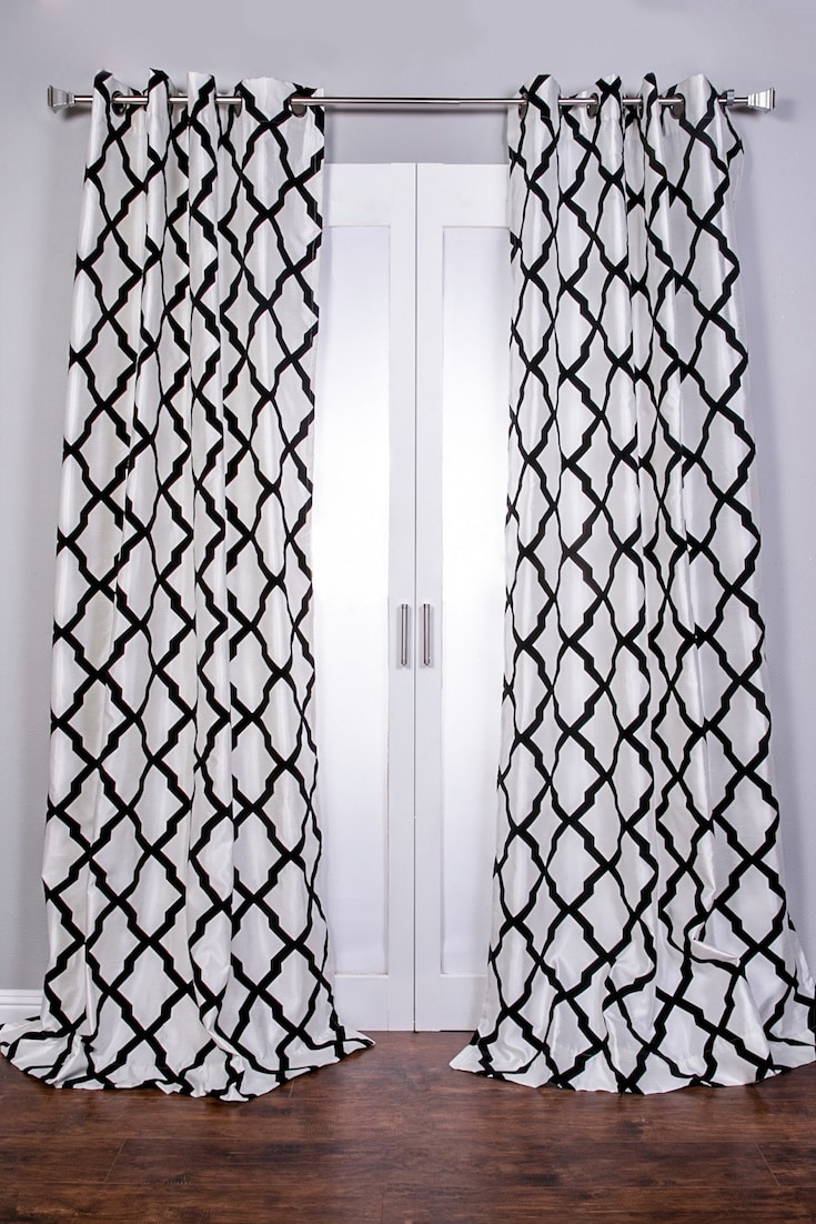 how to measure curtains for bay windows. Black Bedroom Furniture Sets. Home Design Ideas
