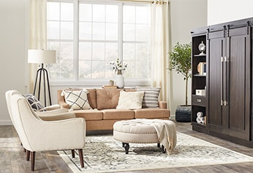 Living room with mixed textures and styles
