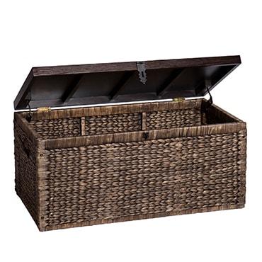 Wicker basket storage chest