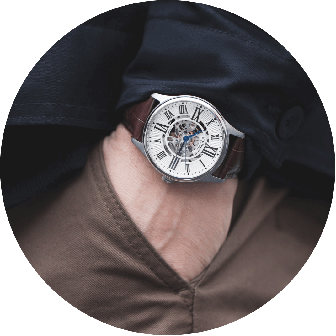 A leather fashion watch, a perfect Christmas gift for your boyfriend