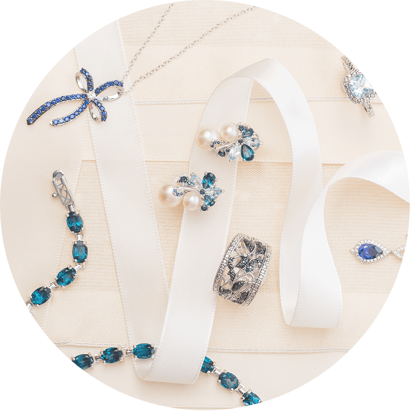 A collage of jewelry gifts ideas for Christmas