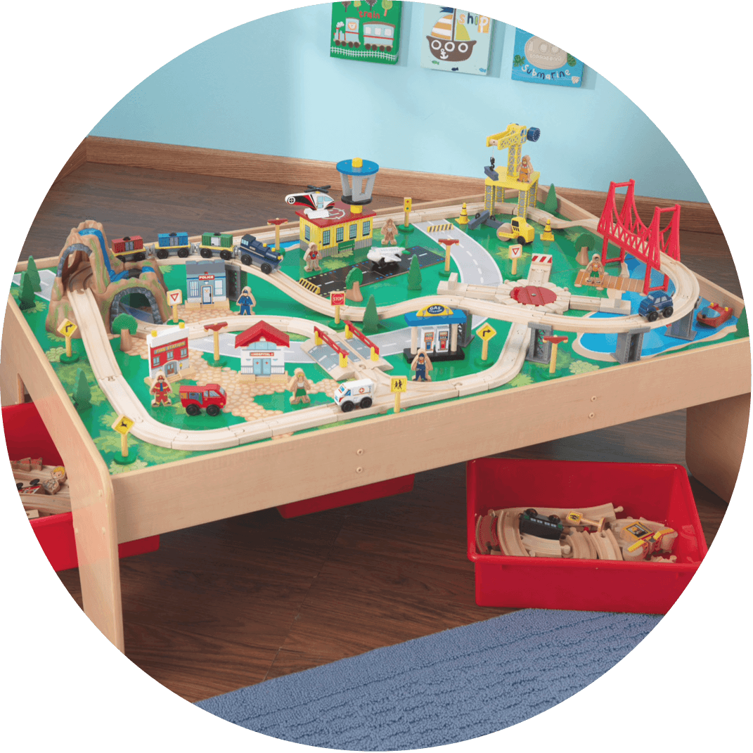 A kids car track, a perfect gift for boys for Christmas