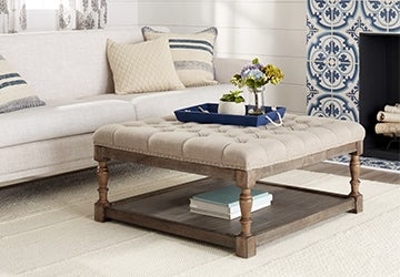 Pillow-top coffee table with a blue tray
