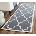 Safavieh Handmade Moroccan Cambridge Dark Grey/ Ivory Wool Rug (2'6 x 8')