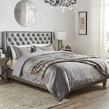 Queen Beds Lifestyle Image