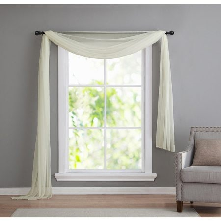 6 Window Valance Styles That Look Great in Any Living Room ...
