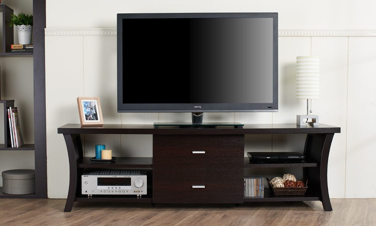 6 tips for choosing the best tv stand for your flat screen tv. Black Bedroom Furniture Sets. Home Design Ideas