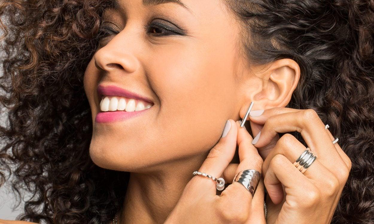 How to Buy Hypoallergenic Jewelry