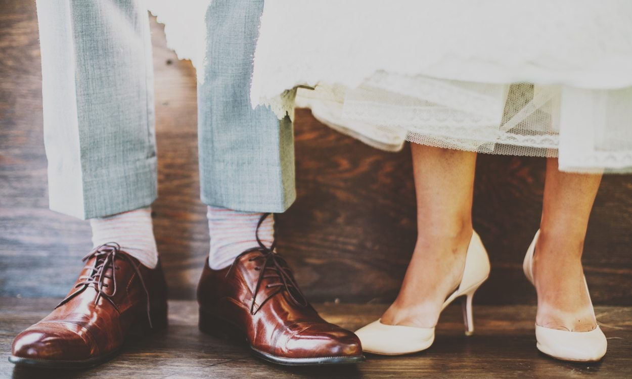 How to Dress for an Evening Wedding