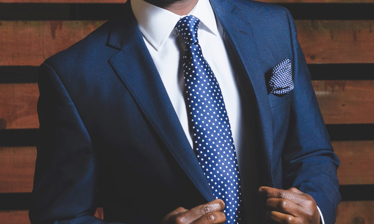 37556f5df111 Your Guide to Buying a Men's Suit | Overstock.com