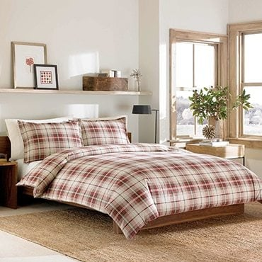 Red flannel duvet cover