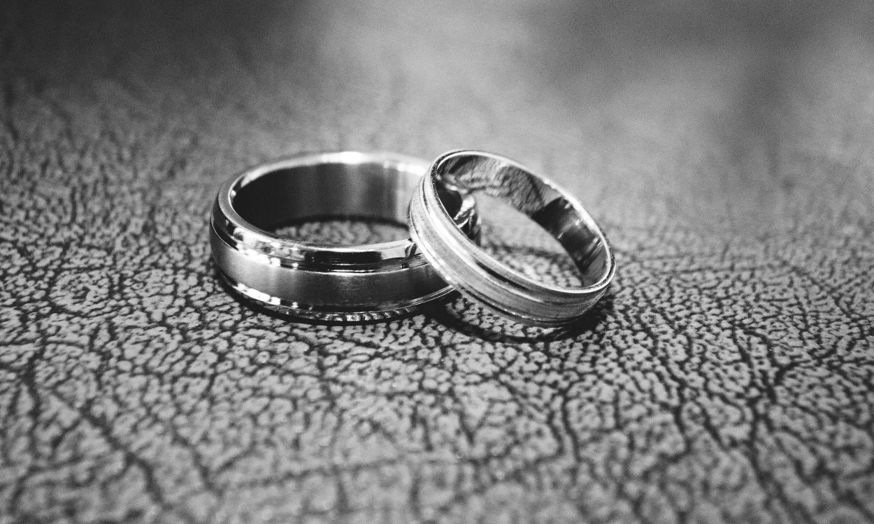 2e68ac89c4511 Titanium vs. Stainless Steel Rings: Which is Better? | Overstock.com