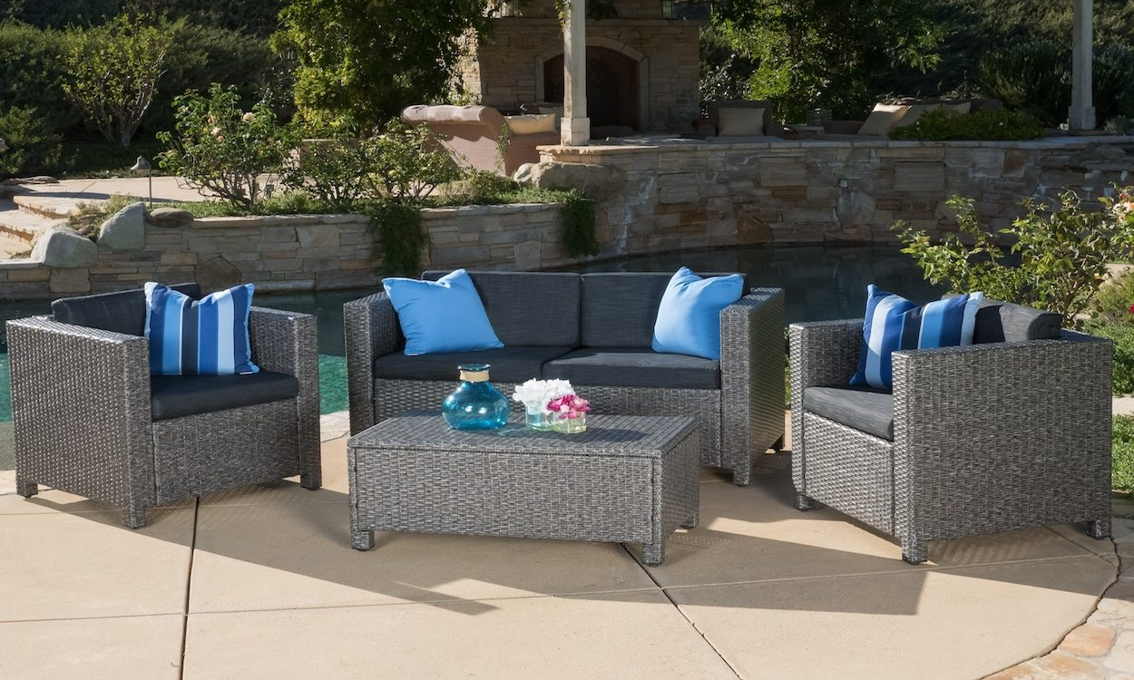 How to choose the best wood patio set