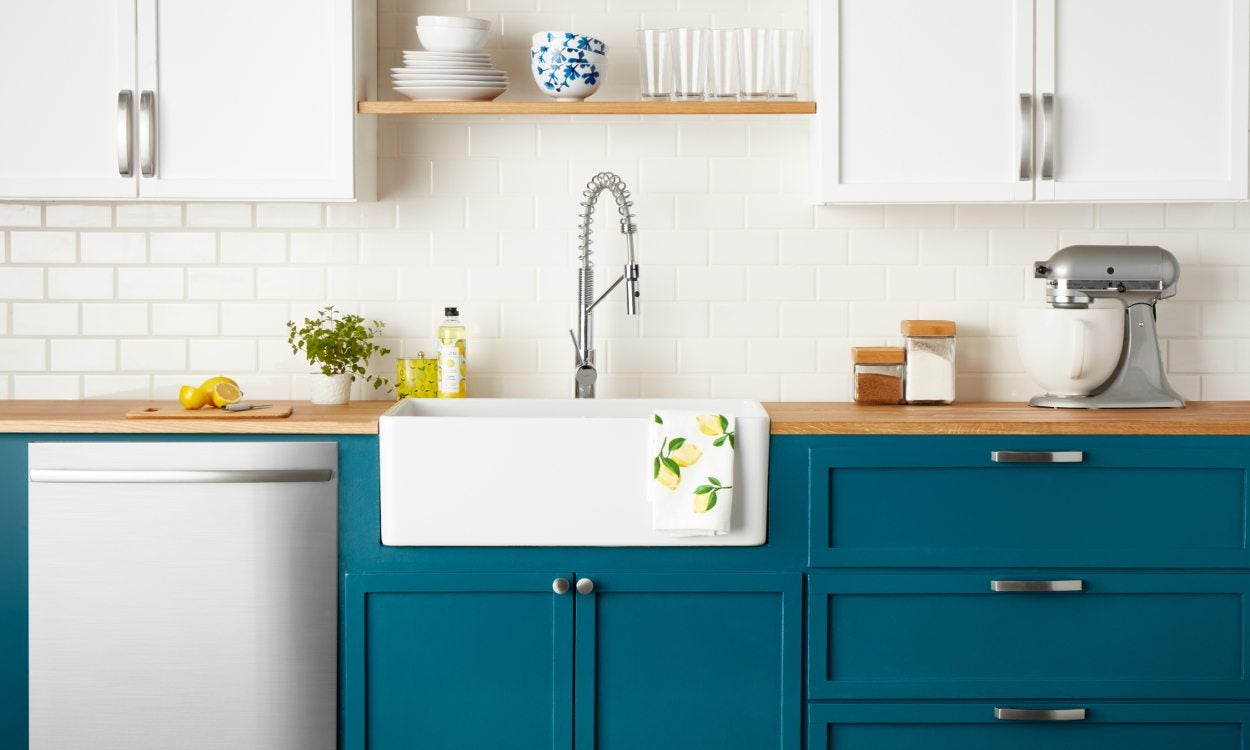 How to Choose Cabinet Handles for Your Kitchen - Overstock.com