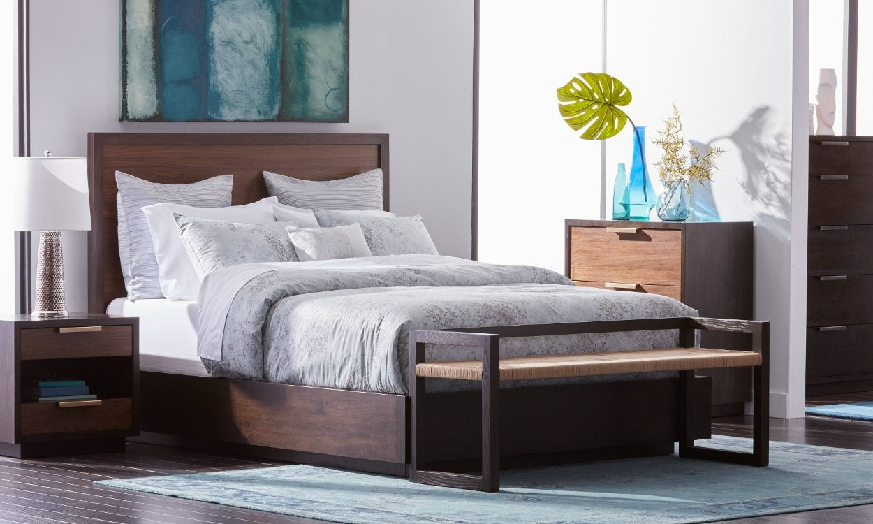 Enjoyable How To Fit Queen Beds In Small Spaces Overstock Com Interior Design Ideas Tzicisoteloinfo