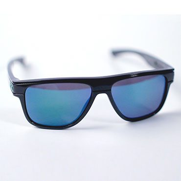 d621d981f8 How to Tell if Oakley Sunglasses Are Real - Overstock.com