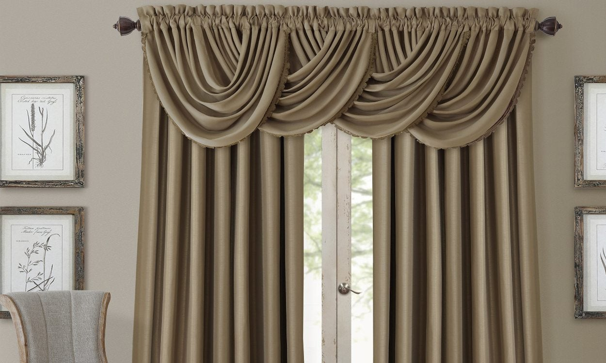 Top 5 Curtain Rods for Formal Living Rooms - Overstock.com