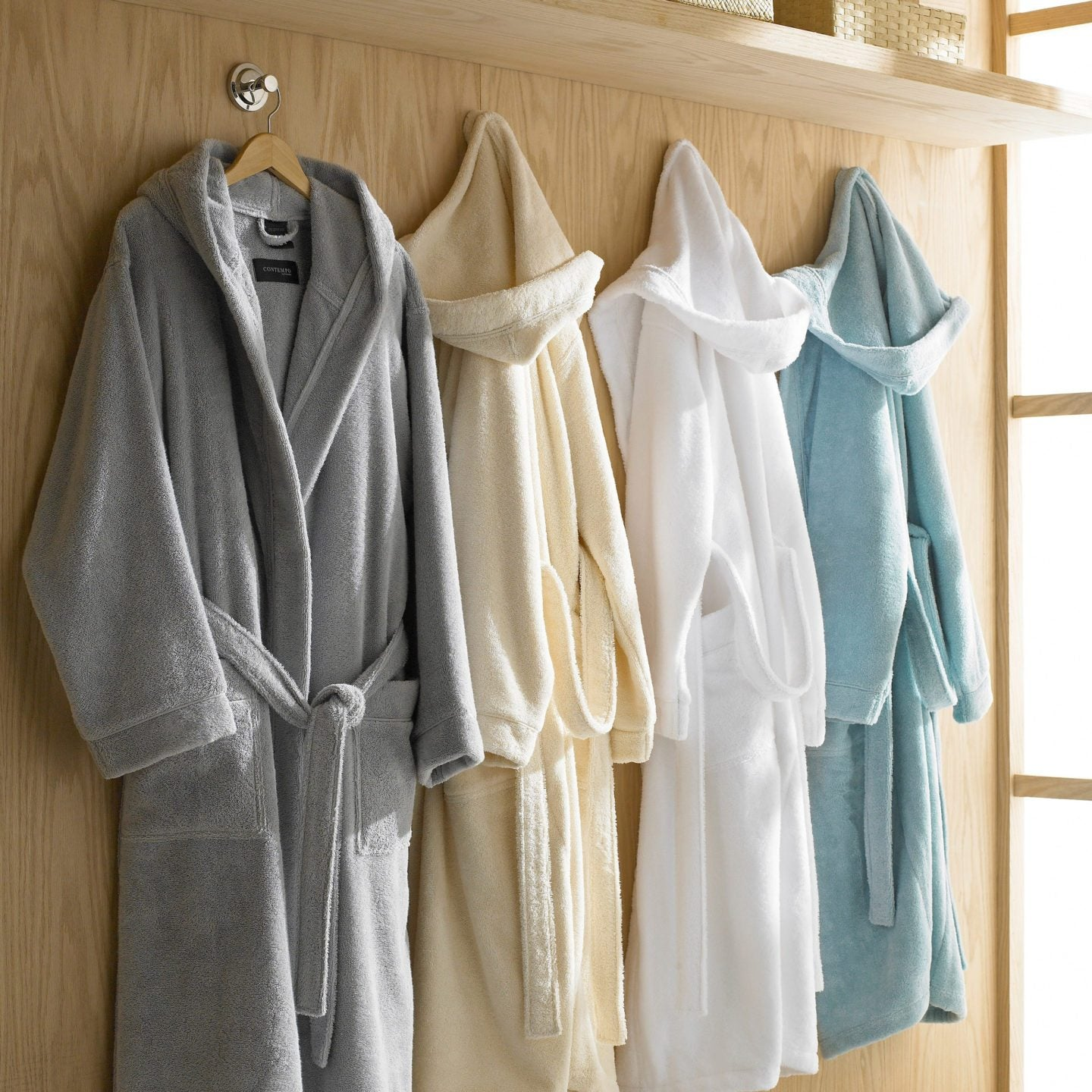 980d063e28 Top 5 Reasons to Buy a Bathrobe - Overstock.com Tips   Ideas
