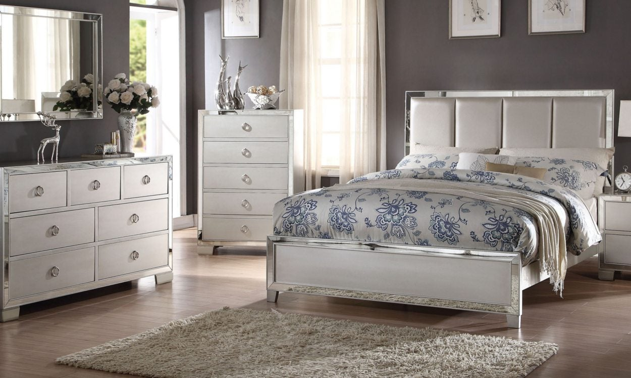 How to Arrange Furniture in a Bedroom | Overstock.com