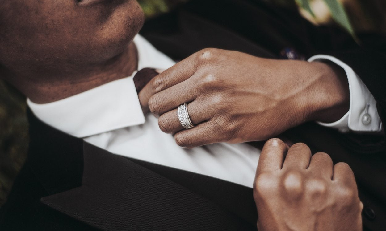 Top 4 Reasons To Buy Him A Titanium Wedding Band