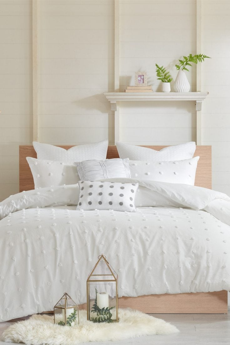 Overstock Bedroom Sets: Popular New Trends In Hotel Bedding