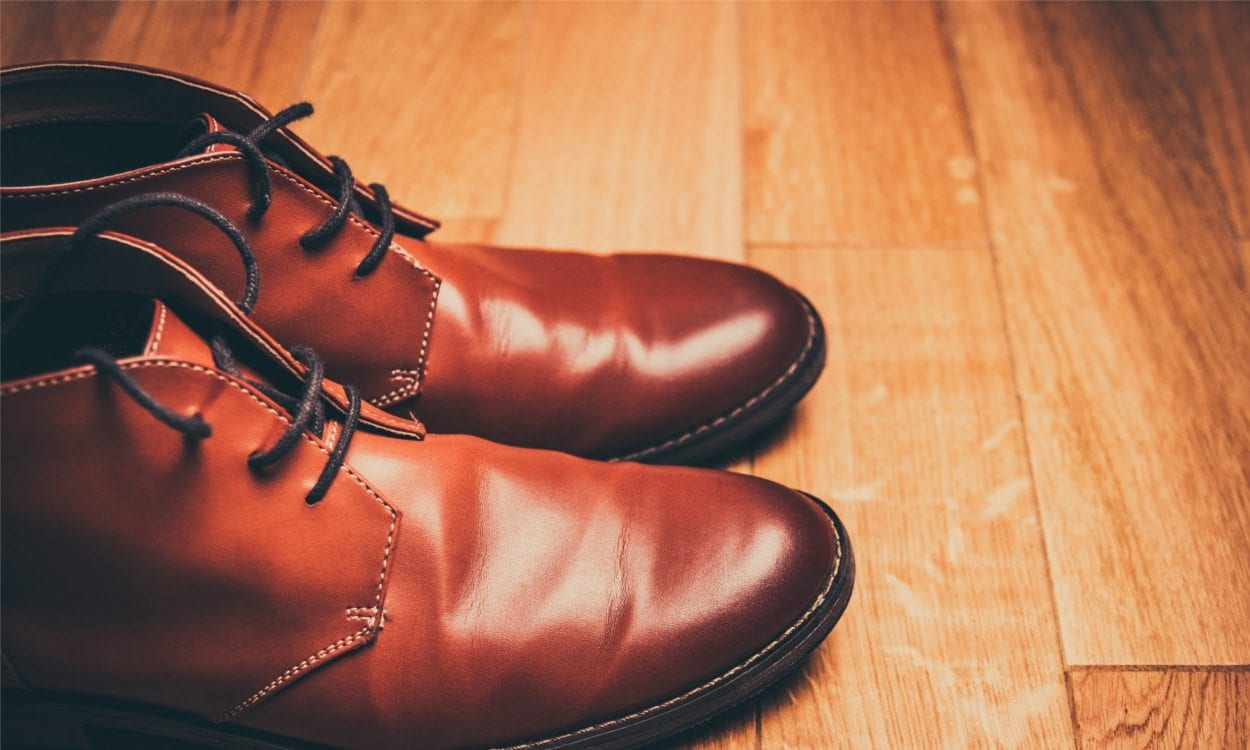 0d98d7f724 Tips on Buying Extra-wide Men's Shoes - Overstock.com